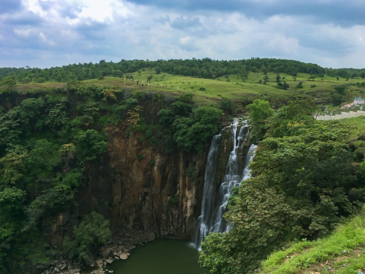 Patalpani_Waterfalls